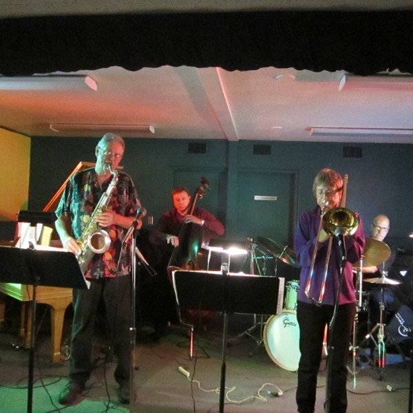 Pete Christlieb Quintet, 'Santa's Bones' perform at Musicians Hall